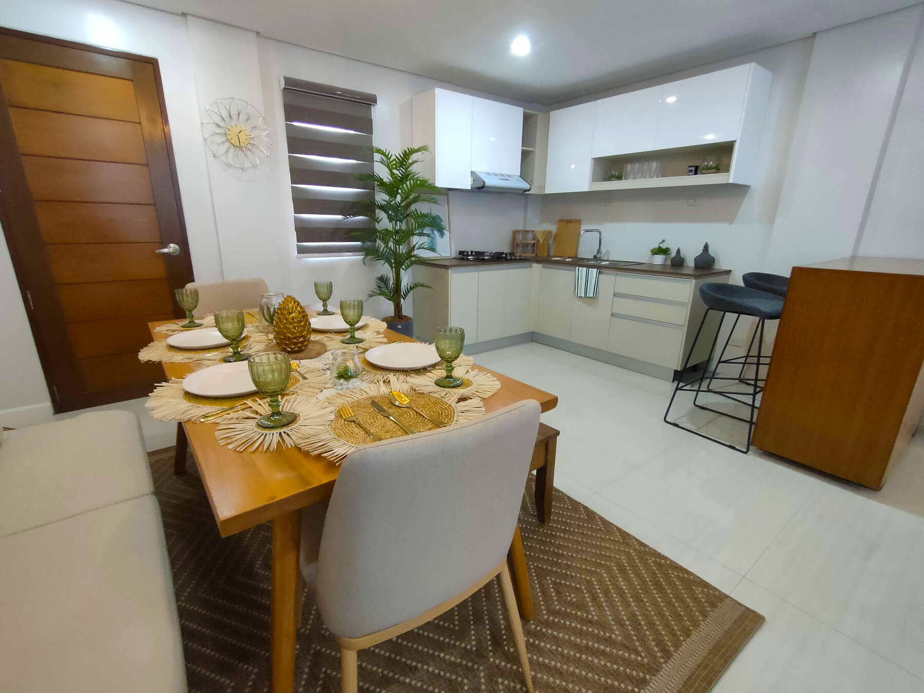 Brizlane Residences - Kitchen and Dining