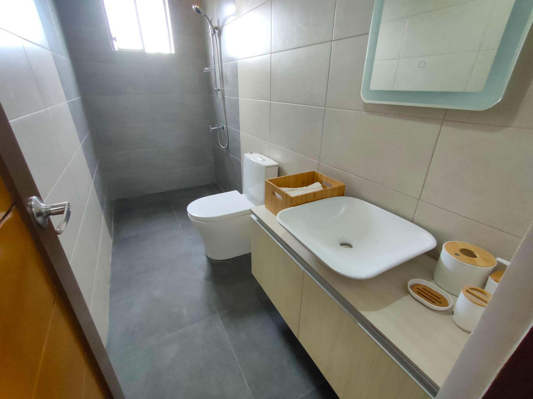 Brizlane Residences - Third floor common bathroom